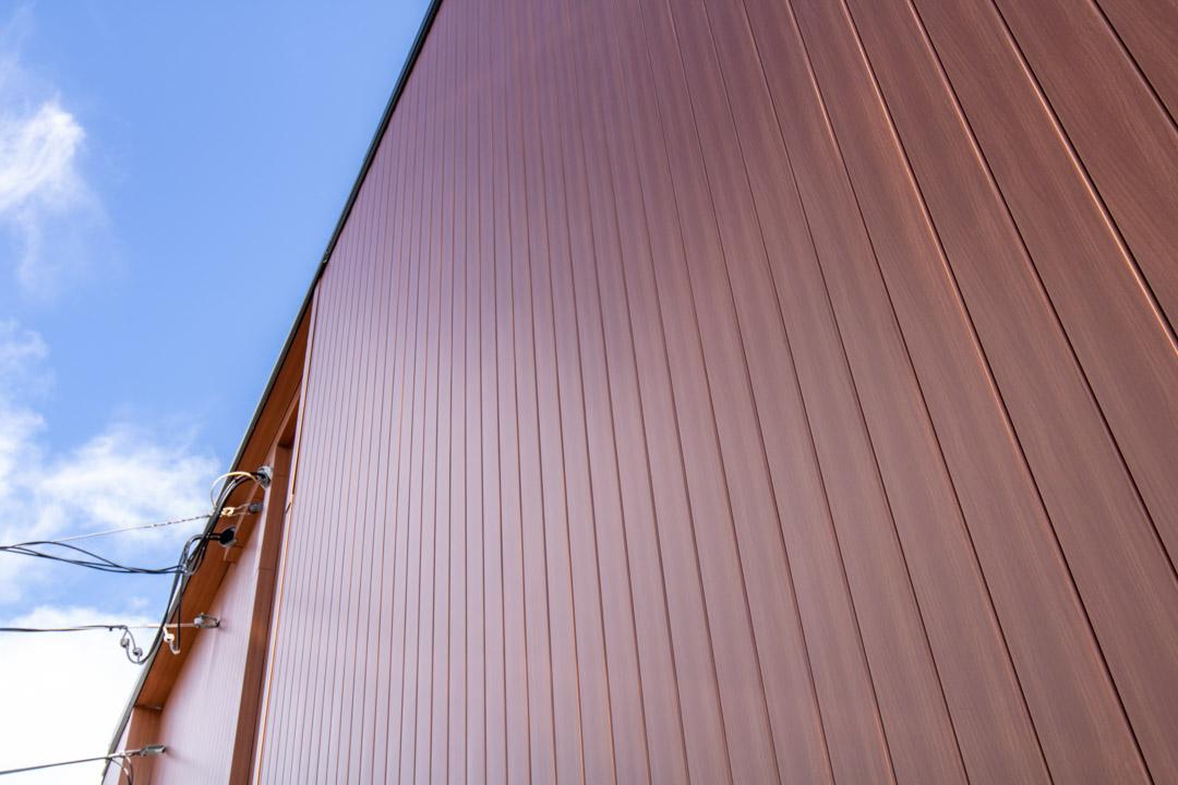 lux-architectural-panel-cedar-commercial